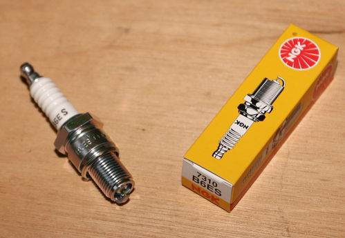 NGK Spark Plug B6ES: Norton SOHC/OHV/SV and Vincent 500/1000